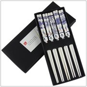 5 pairs of Tablewares of Bamboo chopsticks decorated with blue and white porcelain